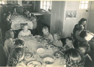 1949 - Lunchtime 2